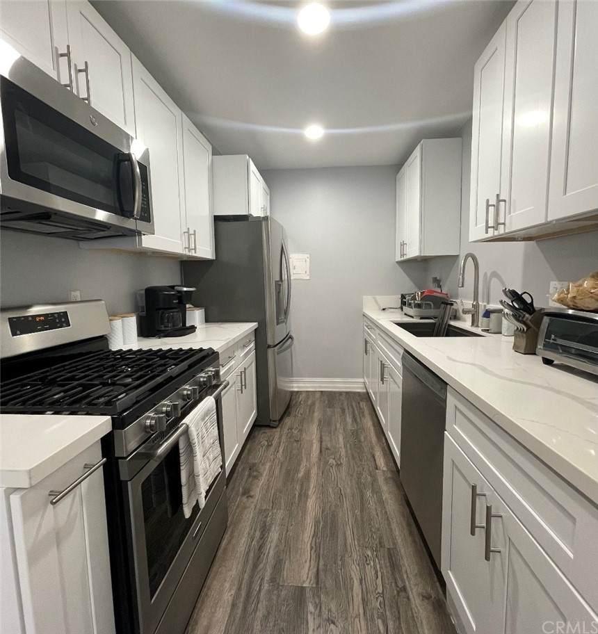 1382 Via Santiago B, Corona, CA 92882 (#OC21150837) :: Doherty Real Estate Group