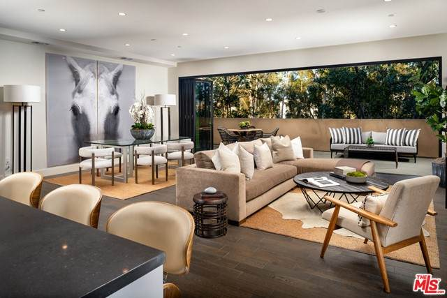 328 W Green Street #101, Pasadena, CA 91105 (#21759550) :: Latrice Deluna Homes