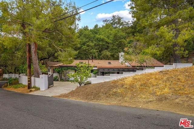 1719 Oak Drive, Topanga, CA 90290 (#21759576) :: Robyn Icenhower & Associates