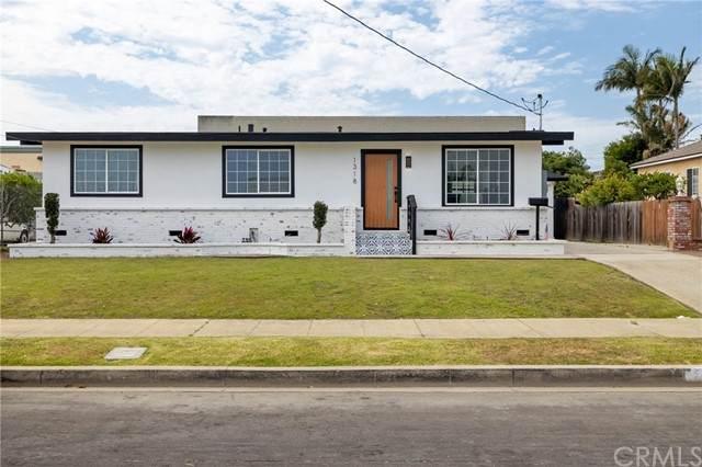 1318 W 216th Street, Torrance, CA 90501 (#SB21151373) :: Latrice Deluna Homes