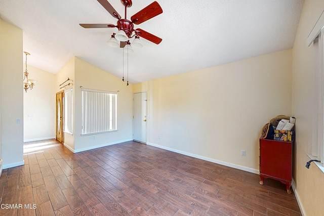 37744 Medea Court, Palmdale, CA 93550 (#221003828) :: Latrice Deluna Homes
