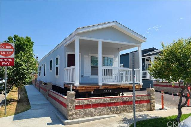 313 W 1st Street, La Habra, CA 90631 (#CV21153482) :: Robyn Icenhower & Associates