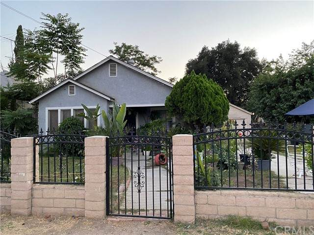 339 Pacific Avenue, Riverside, CA 92507 (#CV21154236) :: McKee Real Estate Group Powered By Realty Masters & Associates