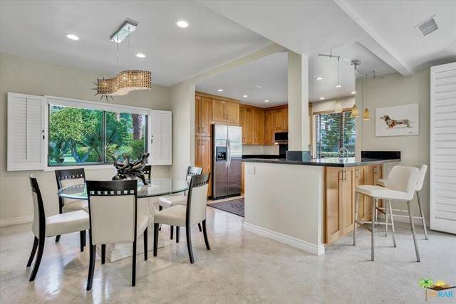 2304 Oakcrest Drive, Palm Springs, CA 92264 (#21759860) :: Doherty Real Estate Group