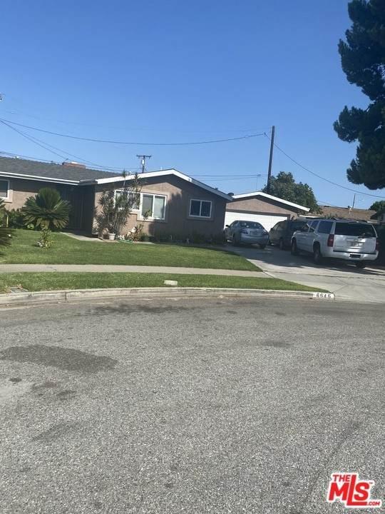 6645 San Diego Circle, Buena Park, CA 90620 (#21760526) :: The Kohler Group