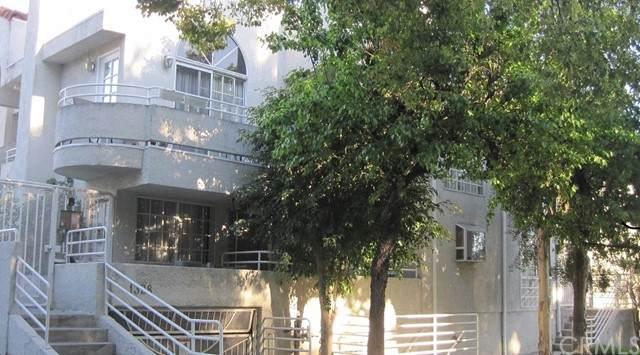 1328 N Columbus Avenue #3, Glendale, CA 91202 (#BB21153565) :: Mark Nazzal Real Estate Group