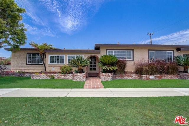 2321 W 164Th Street, Torrance, CA 90504 (#21761606) :: Doherty Real Estate Group