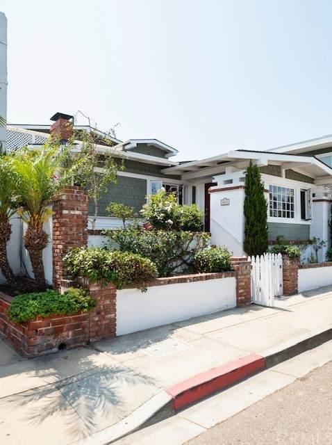 1011 Manhattan Avenue, Hermosa Beach, CA 90254 (#SB21155625) :: The Kohler Group