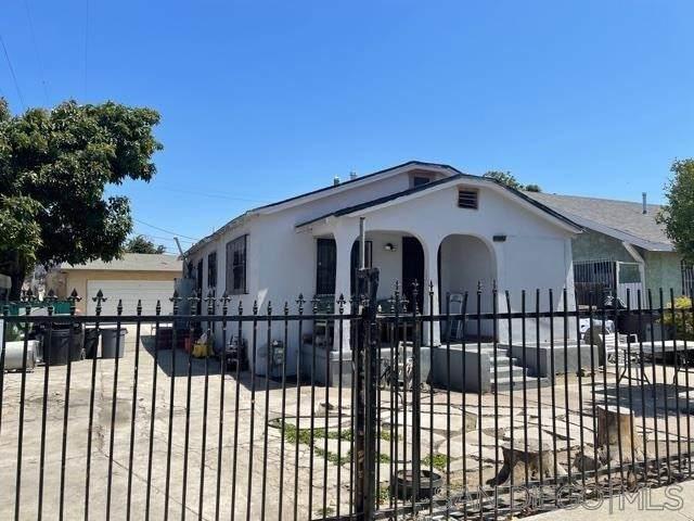 1715 E E 105Th St, Los Angeles (City), CA 90002 (#210020228) :: Wendy Rich-Soto and Associates