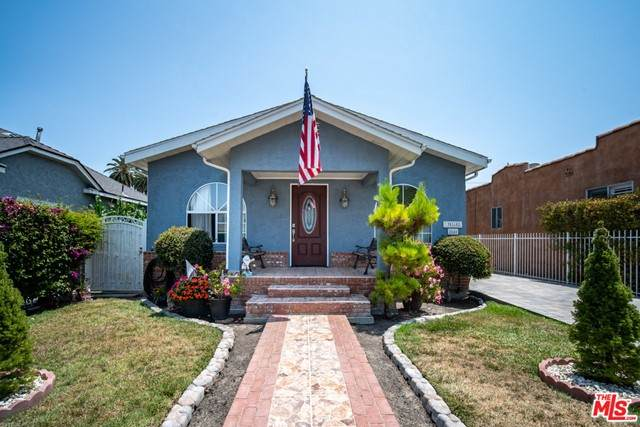 2848 S West View Street, Los Angeles (City), CA 90016 (#21762314) :: Steele Canyon Realty