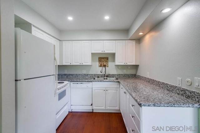6911 Alvarado Rd #24, San Diego, CA 92120 (#210020258) :: The Costantino Group   Cal American Homes and Realty