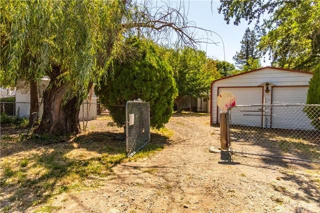 2867 Meadow Drive, Lakeport, CA 95453 (#LC21154212) :: Robyn Icenhower & Associates