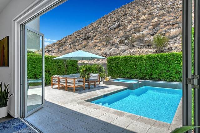 1245 Surrey Lane, Palm Springs, CA 92264 (#219065047PS) :: Realty ONE Group Empire