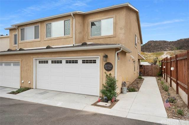 21716 Doss Place, Saugus, CA 91350 (#SR21157458) :: Eight Luxe Homes