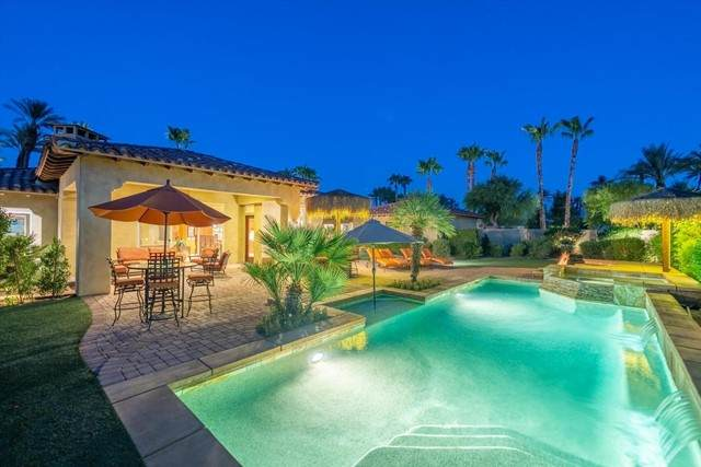 56222 Village Drive, La Quinta, CA 92253 (#219065057DA) :: Latrice Deluna Homes