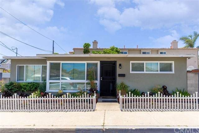 1959 Pacific Beach Drive, San Diego, CA 92109 (#FR21157911) :: Jett Real Estate Group