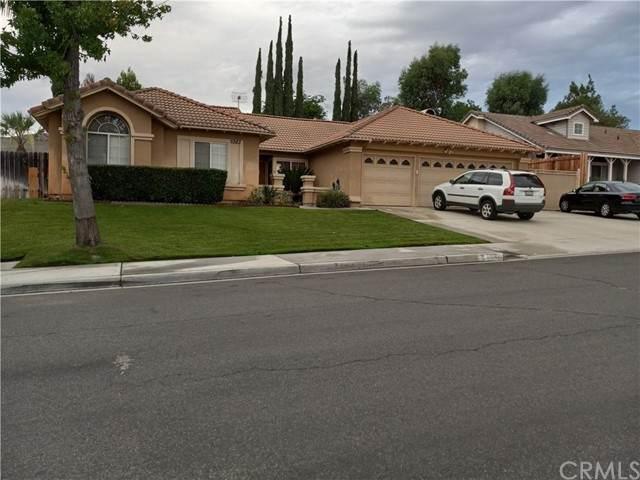 5982 Kings Ranch Road, Riverside, CA 92505 (#DW21158291) :: The DeBonis Team