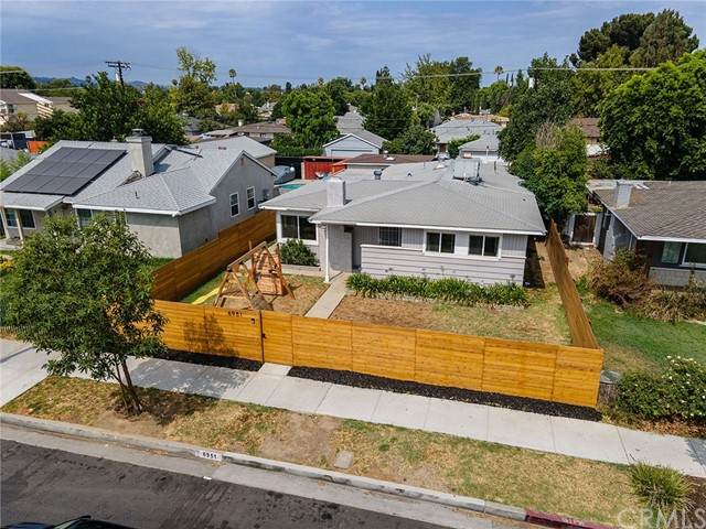 6951 Lindley Avenue, Reseda, CA 91335 (#TR21158520) :: Latrice Deluna Homes