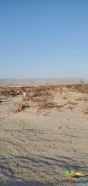 0 Vermillion Drive, Desert Hot Springs, CA 92240 (#21763290) :: The Kohler Group
