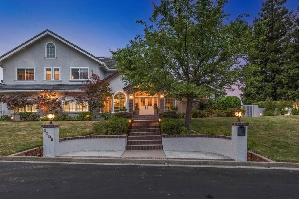 4055 Oak Manor - Photo 1