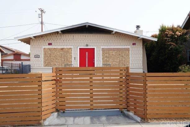 1835 W 48th Street, Los Angeles (City), CA 90062 (#SR21161414) :: Latrice Deluna Homes