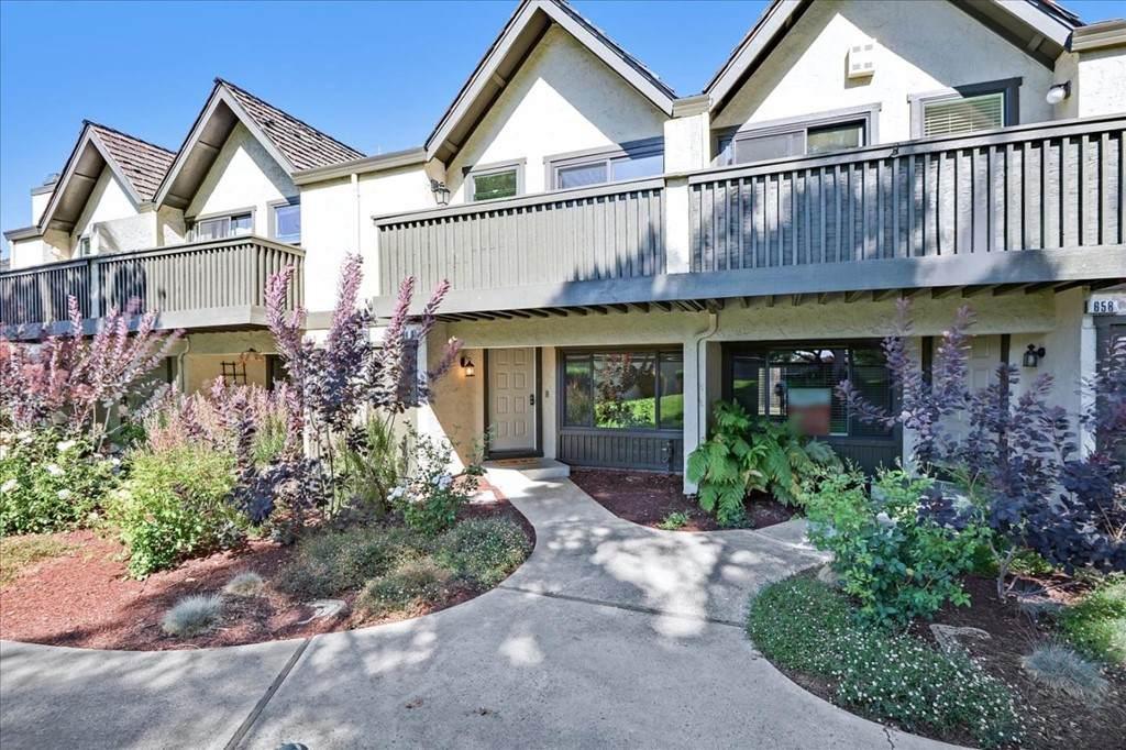 660 Ahwanee Terrace - Photo 1