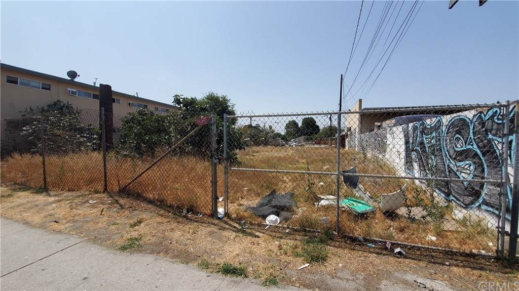 114 Alondra Boulevard - Photo 1