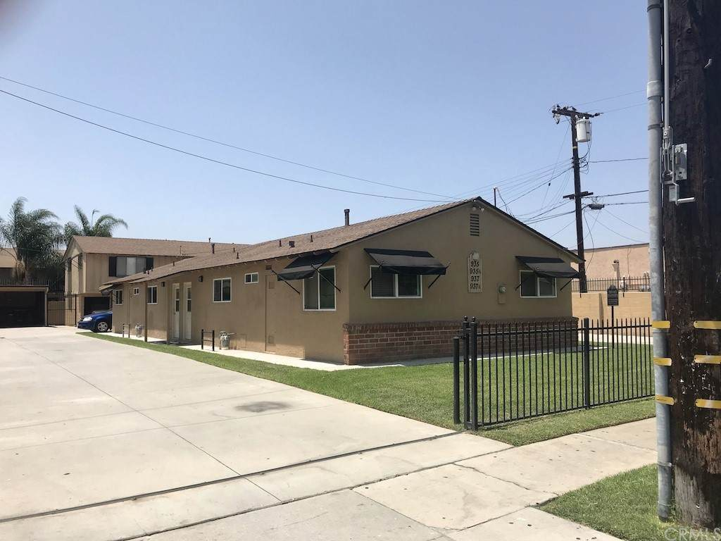 935 Del Valle Avenue - Photo 1