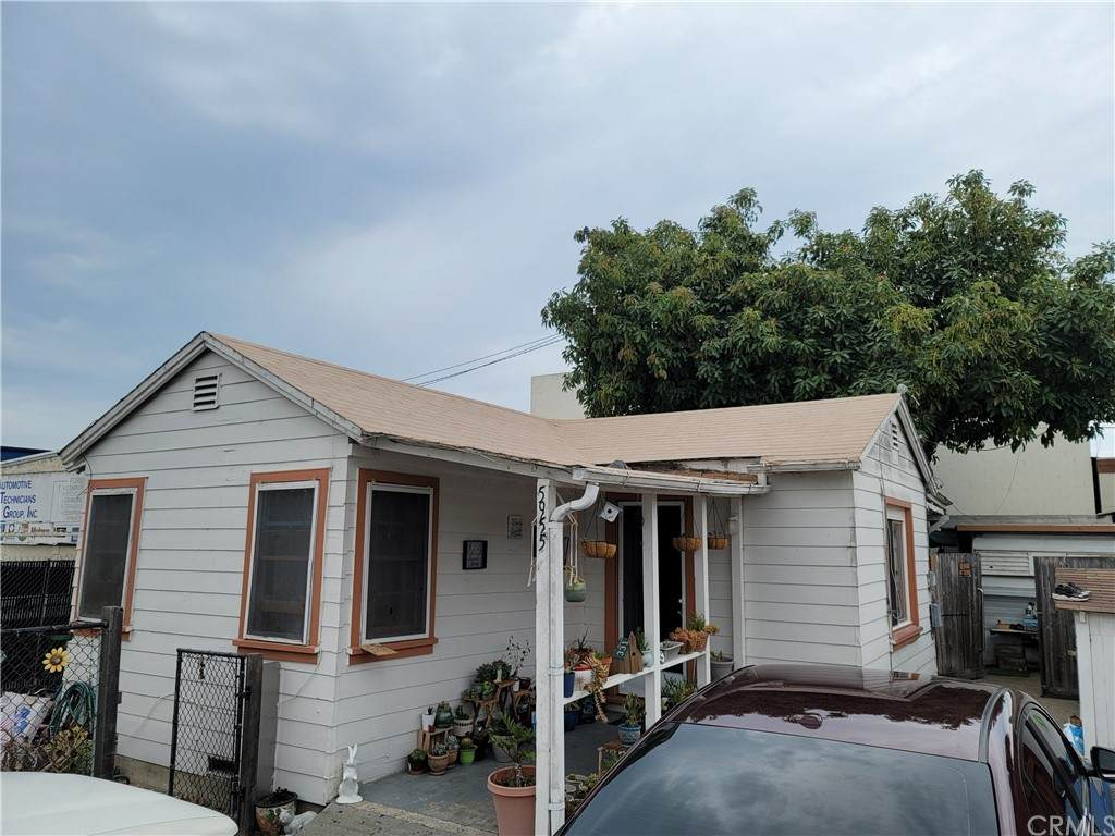 5955 Matthews Street - Photo 1