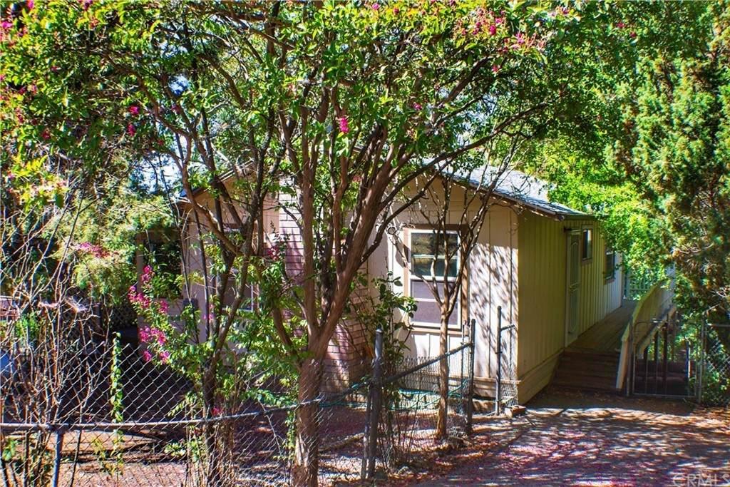 3514 Lakeview Drive - Photo 1