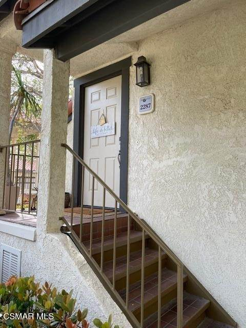 2287 Martinique Lane, Oxnard, CA 93035 (#221004081) :: Eight Luxe Homes