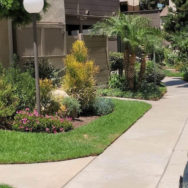 1370 Cabrillo Park Drive F, Santa Ana, CA 92701 (#SW21162887) :: Veronica Encinas Team