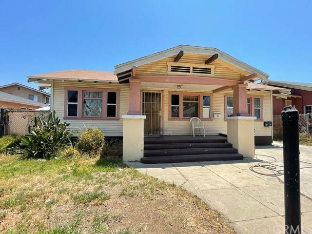 2336 Pasadena Avenue, Long Beach, CA 90806 (#PW21164492) :: Frank Kenny Real Estate Team