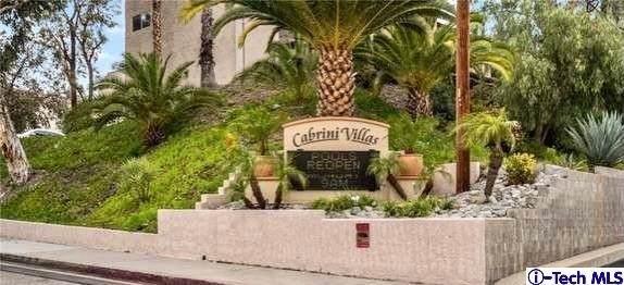 8004 Via Verona, Burbank, CA 91504 (#320007042) :: Hart Coastal Group