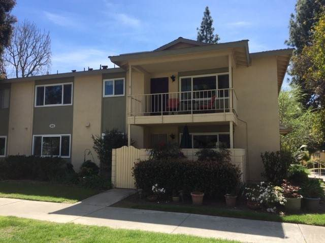211 Avenida Majorca N, Laguna Woods, CA 92637 (#OC21166126) :: Team Tami
