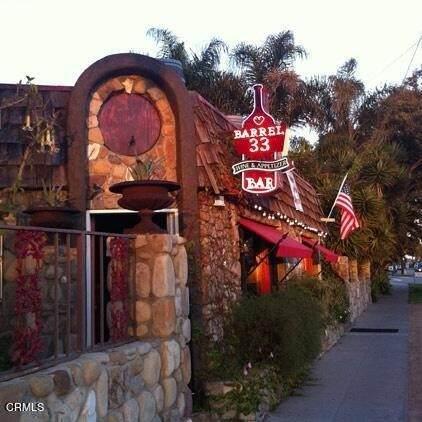 1095 E Thompson Boulevard, Ventura, CA 93001 (#V1-7464) :: Realty ONE Group Empire