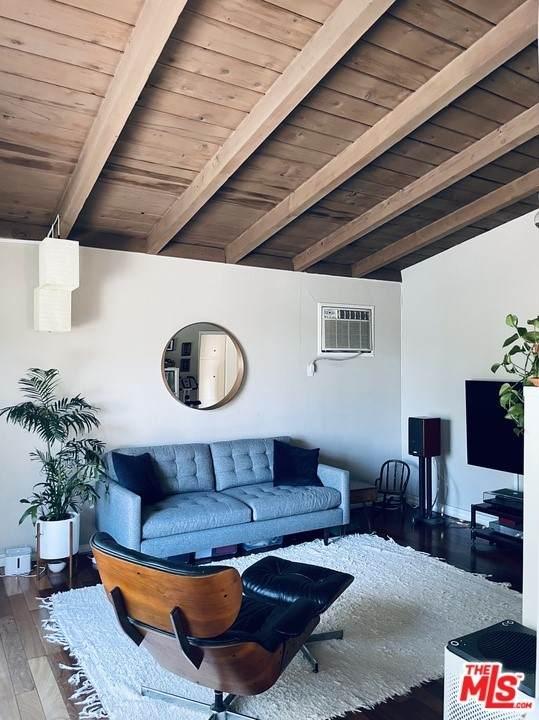 1231 Montecito Drive, Los Angeles (City), CA 90031 (#21766818) :: Powerhouse Real Estate