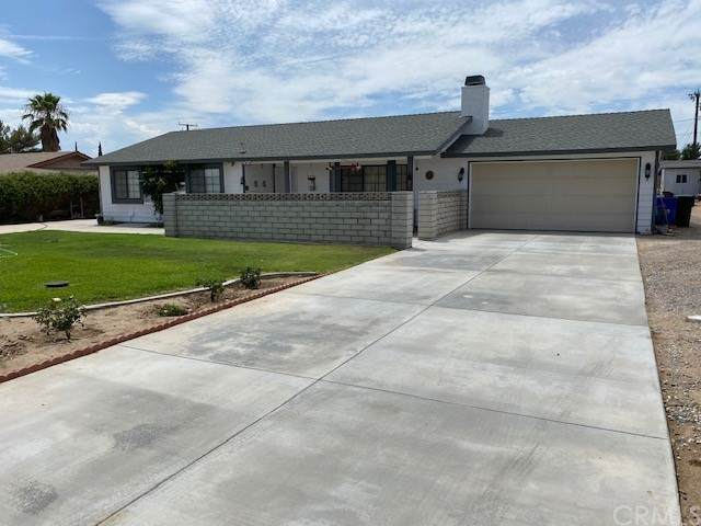 14747 Cerezo Road, Victorville, CA 92392 (#EV21168258) :: COMPASS