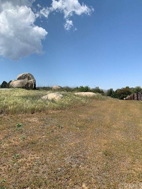 19300 Hodge Circle, Murrieta, CA 92562 (#NP21168900) :: Mint Real Estate