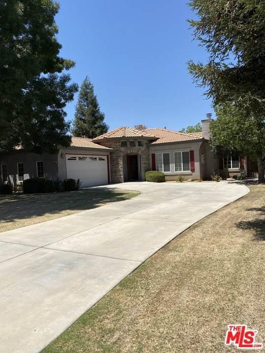 10320 Dorsey Court, Bakersfield, CA 93312 (#21769088) :: BirdEye Loans, Inc.