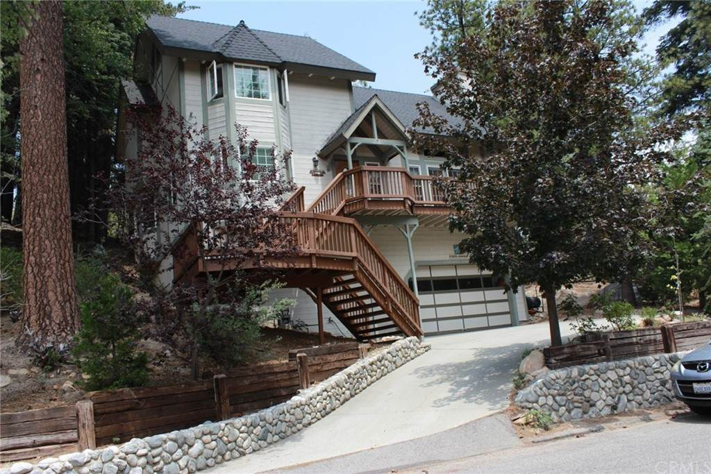 27303 Pinewood Drive - Photo 1