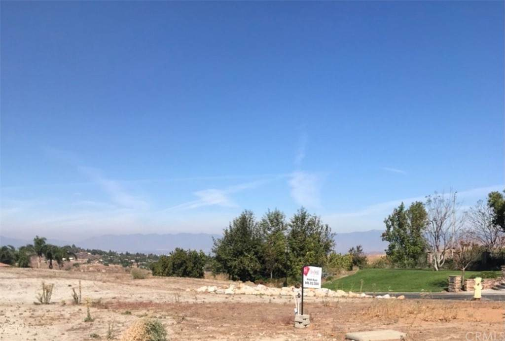 640 Pinnacle Ridge Road - Photo 1
