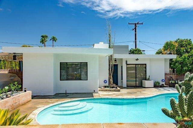 720 N Plaza Amigo, Palm Springs, CA 92262 (#219066102DA) :: Steele Canyon Realty