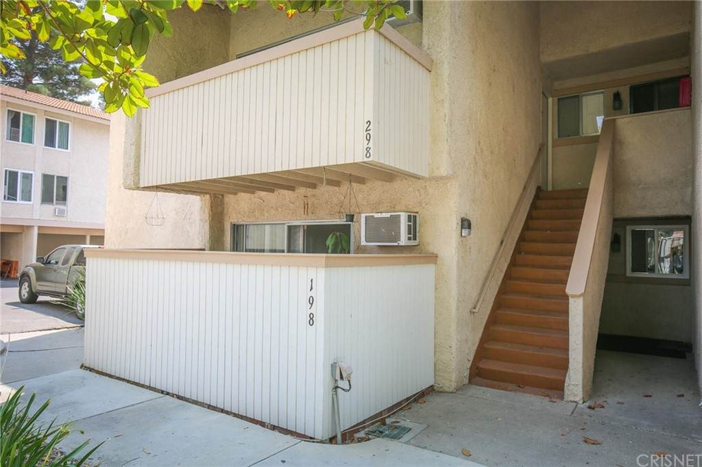 28915 Thousand Oaks Boulevard - Photo 1