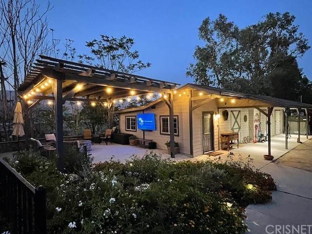 9841 Mcbroom Street, Shadow Hills, CA 91040 (#SR21184526) :: Corcoran Global Living