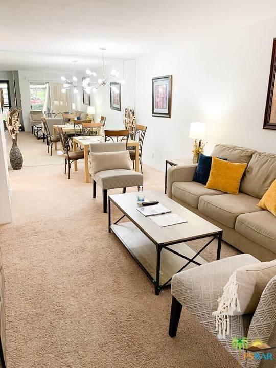 2860 N Los Felices Road #102, Palm Springs, CA 92262 (#21775124) :: Mainstreet Realtors®