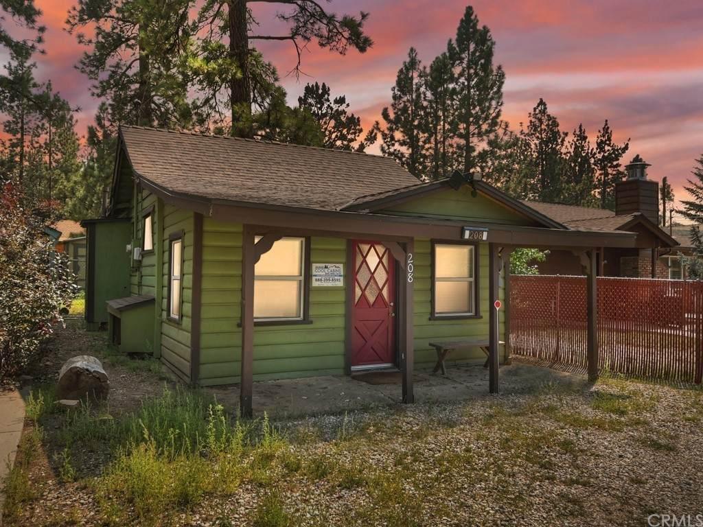 208 Mountain View - Photo 1