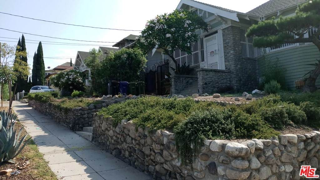 1111 Kenmore Avenue - Photo 1