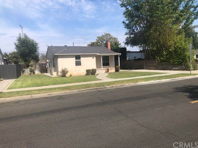 2000 San Anseline Avenue, Long Beach, CA 90815 (#PW21192318) :: Latrice Deluna Homes