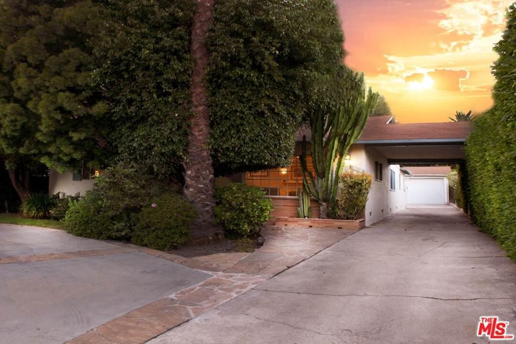 12119 Sunset Boulevard - Photo 1